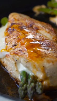Stuffed Chicken Breast Not only is this chicken breast stuffed with asparagus, but it also has a slice of provolone cheese in there too!Not only is this chicken breast stuffed with asparagus, but it also has a slice of provolone cheese in there too! Chicken Asparagus, Asparagus Recipe, Baked Chicken, Meals With Asparagus, Cracker Chicken, Baked Asparagus, Chicken Bacon, Keto Chicken, Shredded Chicken