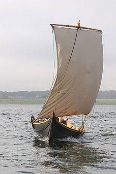 """""""Freydis Joanna"""", Gokstad Faering replica. Vikingeskibsmuseet Roskilde"""