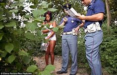 AMAZING STORIES AROUND THE WORLD: Nigerian Sex Workers Pictured in Italy - Reveal Ho...
