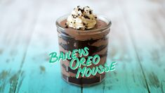 Kick your chocolatey, fluffy mousse parfait up a notch with creamy liqueur. Breakfast Dessert, Breakfast For Kids, Clean Recipes, Sweet Recipes, Oreo Mousse, Cocoa Powder Recipes, Desserts In A Glass, Oreo Cream, Baileys Irish Cream