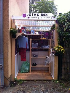 give box in berlin - sharing is caring. Recycling at it's most generous! Little Free Libraries, Little Library, Free Library, Service Projects For Kids, Community Service Projects, Give Box, Girl Scout Silver Award, Homeless Care Package, Little Free Pantry