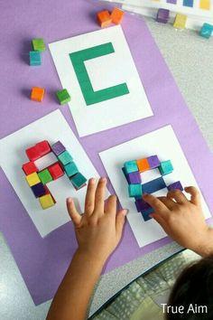 Cubi per lettere dell' alfabeto