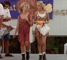 * Beverly Hills 90210 * The Donna Martin Fashion Retrospective * Culture Brats Nineties Fashion, 90210 Fashion, 80s And 90s Fashion, Fashion Tv, Retro Fashion, Vintage Fashion, Fashion Trends, Womens Fashion, Beverly Hills 90210