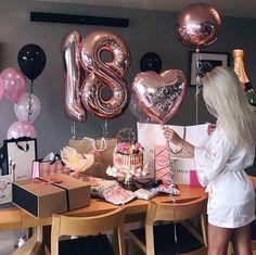 Ku každej správnej B-day párty nemôžu chýbať balóny rúžové zlaté al. Birthday Goals, Birthday Photos, Birthday Bash, It's Your Birthday, Birthday Celebration, Birthday Parties, Birthday Surprise Ideas, 18 Birthday Gifts, Birthday Surprises