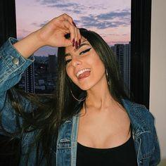 Tumblr Selfies, Photos Tumblr, I Love Girls, Pretty Girls, Gangsta Girl, Fake Photo, Instagram And Snapchat, Tumblr Photography, Girl Inspiration