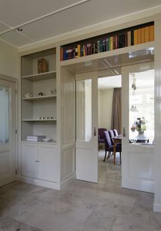 I like the built ins around the half-glass pocket doors Home Library Design, Home Interior Design, House Design, Dining Suites, Home And Living, Living Room, Kitchen Living, Room Partition Designs, Home Libraries