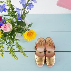 """223 Likes, 12 Comments - Ilaria Chiaratti :: IT NL (@idainteriorlifestyle) on Instagram: """"#goodmorning and happy weekend! Simple question: what's better than a pair of new clogs?…"""""""