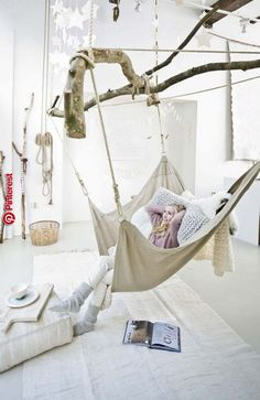 Savvy and Inspiring indoor hanging hammock chairs just on neuron home design Beds For Small Rooms, Indoor Hammock, Hammock Balcony, Hammock Tent, Hanging Hammock, Hanging Basket, Indoor Outdoor, Turbulence Deco, Diy Chair
