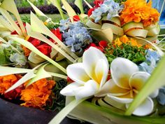 Балийские ежедневные подношения «Canang Sari»