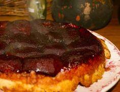 Tarte à déguster tiède, avec de la crème fraiche épaisse et à accompagner d'un cidre doux bien frais ou de bière ambrée.