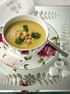 Sopa de Frango com Legumes, Grão de Bico e Coentro
