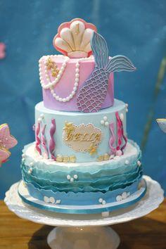 Mermaid Birthday Decorations, Mermaid Theme Birthday, Little Mermaid Birthday, Little Mermaid Parties, Ocean Birthday Cakes, Ocean Cakes, Wild One Birthday Invitations, Birthday Favors, Sirenita Cake