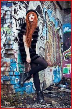 Street Photography: 17 Creative Sample of Urban Graffiti - Creative Maxx Ideas - Street photography urban graffiti 16 - Inspiration Photoshoot, Style Photoshoot, Mode Inspiration, Fashion Inspiration, Photoshoot Concept, Graffiti Photography, Street Photography, Portrait Photography, Photography Ideas