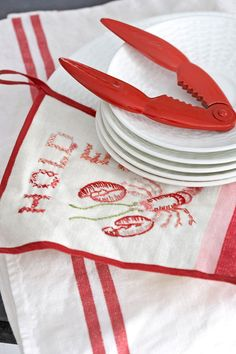 Nautical Home Decor - Seaside Style Decorating Ideas - Country Living Lobster Restaurant, Lobster Fest, Lobster Bake, Lobster Shack, Crab Shack, Cottages By The Sea, Beach Cottages, Red Beach, Beach Bum