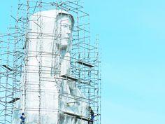 Estátua gigante está sendo concluída - Cariri Regional - O código morseutiliza um processo de representação de letras, números e sinais de pontuação através de um sinal codificado enviado intermitentemente. Foi criado e aperfeiçoado por Samuel Morse e Alfred Vail em Diário do Nordeste