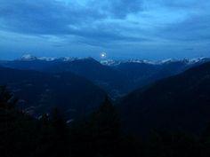 Moonrise in Vall Nord, Andorra. Más en diariodeabordoblog.com