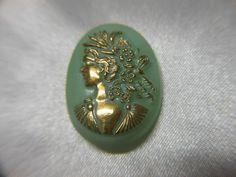チェコヴィンテージ ウランガラスのボタン  41-394b_画像2