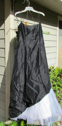 Betsy and Adam Black and White Full Length Formal Gown, NWT, Size 12