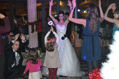 Tania disfrutando de los más peques Girls Dresses, Flower Girl Dresses, Prom Dresses, Formal Dresses, Wedding Dresses, San Antonio, Fashion, Palaces, Elegant