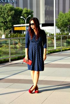 Nautical, polkadots dress, red accessories, red pumps.