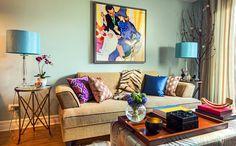 Mix de cores na sala de estar.