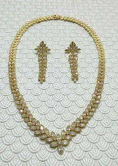Jewelry cubic zirconia necklace & earrings. Collar, aretes, joyas.