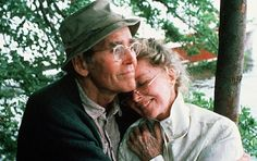 Henry Fonda & Katharine Hepburn, On Golden Pond, 1981 Hollywood Stars, Classic Hollywood, Old Hollywood, Hollywood Couples, Tyrone Power, Barbara Stanwyck, Katharine Hepburn, Jesse James, Bette Davis