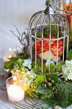 As lanternas e gaiolas decorativas são ótimas para luminária de mesa ou luminárias pendentes para seu casamento!