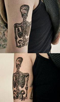 Skull by Hannah Snowdon. Band Tattoo, Get A Tattoo, Tattoo Art, Piercing Tattoo, Piercings, Hannah Pixie Snowdon, Pixie Tattoo, Skeleton Tattoos, Queen Tattoo
