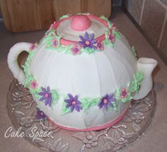 tea pot cake | ... Cake Space: Anyone Want a Cup of Tea? Cake? How About Teapot Cake