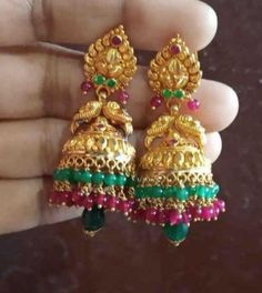 Gold Jhumka Earrings, Gold Bridal Earrings, Indian Earrings, Gold Ring Designs, Gold Earrings Designs, Gold Jewellery Design, Mango Necklace, Gold Necklace, Gold Buttalu