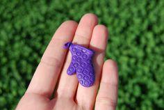 Kitchen glove magnet por Hybridary en Etsy, €5.00