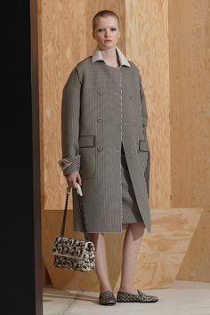 http://www.vogue.com/fashion-shows/pre-fall-2016/bottega-veneta/slideshow/collection