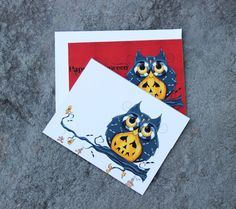 Set of 2 Halloween Owl Greeting Cards  Holiday Cards by concettasdesigns, $6.00 #halloween #owls #halloweenowlcards