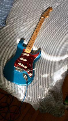 My lake placid blue strat w/ red tortoise shell pick guard – Musical instruments Fender Stratocaster, Fender Guitars, Ukulele, Banjo, Angus Young, Guitar Design, Guitar Amp, Cool Guitar, Blue Guitar