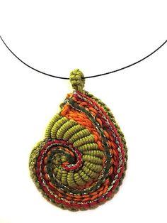 Crochet Bullion Stitch Necklace - #Crochet; Bullion Stitch Free Patterns