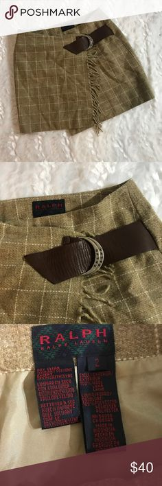 RALPH Ralph Lauren Wool Plaid Belted Skirt Such a cute skirt for the fall! This skirt would look SO cute with some boots! It's great quality, 100% wool. Too cute! Size 2 Ralph Lauren Skirts Mini