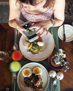 Monday Breakie  #photographerverypro #我要的角度 #brunch #foodie #breakfast #bismaeight #foodporn #bali #ubud #shibuyabalistyle #baliprincesslife @shuxia by fishyfish