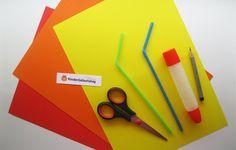 Blumen aus Papier basteln: Anleitung für die Kindern Plastic Cutting Board, Card Crafts, Colorful Flowers, Kids Pages