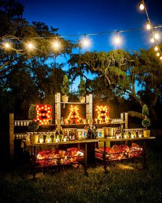 Another option for a  pop-up bar that you know will be making multiple appearances during wedding season this year.