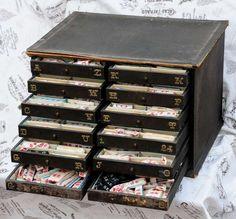 Schubladen Schrank m. 650 Wäschezeichen Wäschemonogramme Monogramme Vintage chic