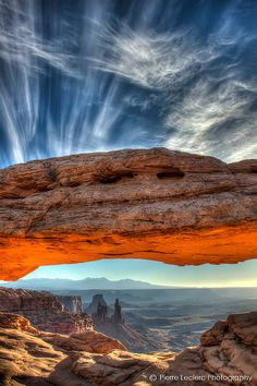 Mesa Arch Sunrise, Canyonlands National Park, Utah, USA.