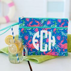 Sometimes the right clutch is all that it takes to pull an outfit together! Whether you are planning a night out with your favorite bridesmaids or getting ready together the morning of your big day, this zippered bag is the perfect size to hold everything you need. Nautical Wedding Centerpieces, Beach Wedding Tables, Wedding Decorations, Bridesmaid Gifts, Bridesmaids, Wedding Memorial, Cool Gifts, Wedding Signs, Clear Acrylic