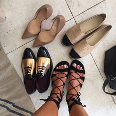 guys help me out: where can I find these sandals?? comment if u know!!! thank uuu