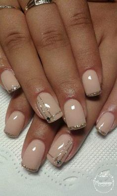 Gel nails ongles gel french, gel nail designs, nude nails, glitter nails, b Classy Nails, Fancy Nails, Trendy Nails, Love Nails, Diy Nails, How To Do Nails, Uv Gel Nails, Glitter Nails, Gold Glitter