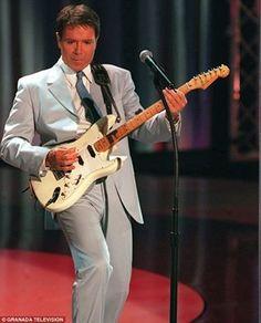 Sir Cliff Richard, Music, Shadows, Rock, Musica, Musik, Darkness, Skirt, Muziek
