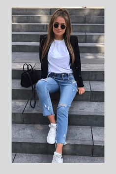 Blazer como usar essa pea de forma correta no inverno guide and tips for fall outfits falloutfittips Casual Work Outfits, Blazer Outfits, Mode Outfits, Simple Outfits, Stylish Outfits, Fall Outfits, Summer Outfits, Fashion Outfits, Womens Fashion