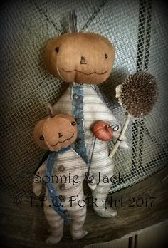 Sonnie and Jack E-pattern Primitive Pumpkin, Primitive Stitchery, Primitive Crafts, Primitive Christmas, Primitive Snowmen, Wood Crafts, Primitive Country, Halloween Sewing, Halloween Doll