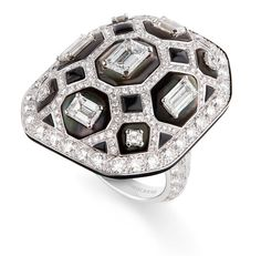 Boucheron Vendiome Argentique ring with black mother of pearl and diamonds