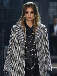 Les bijoux du defile Chanel Metiers d Art Paris Rome - Chanel Pre-Fall 2016
